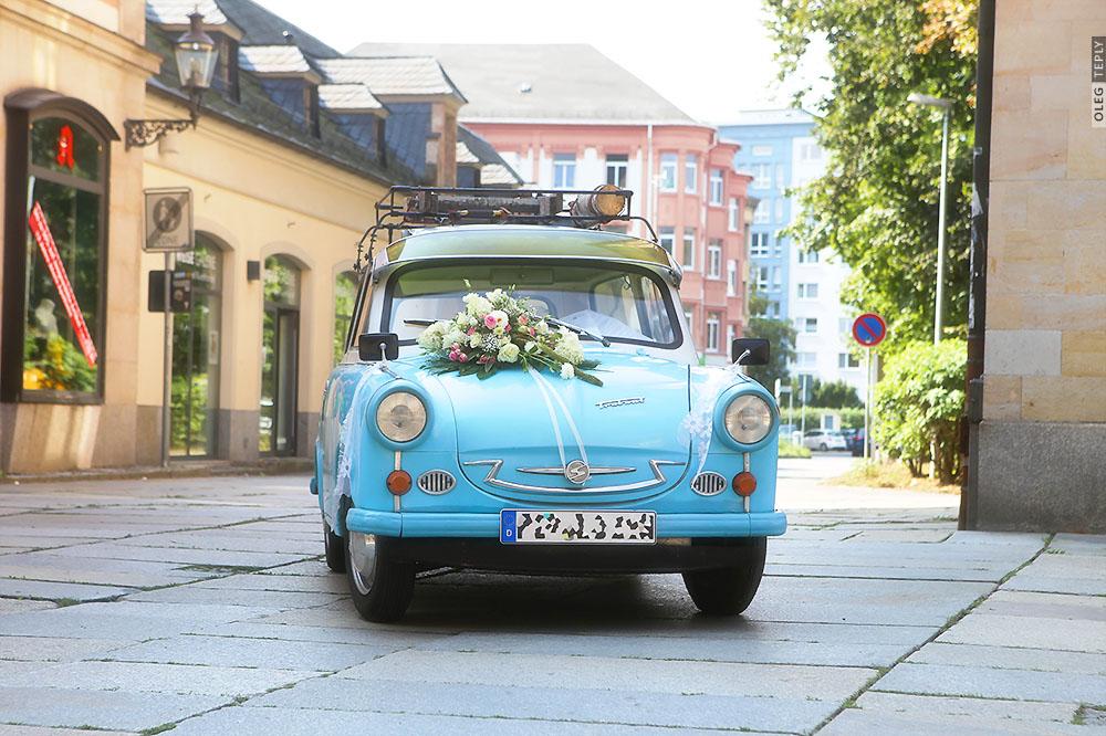 hochzeit trabi married auto
